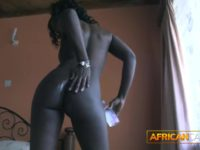 African amateur babe is fucked in the ass